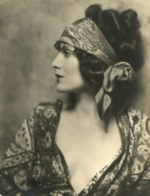 The 1920's Glamour, Evelyn Brent