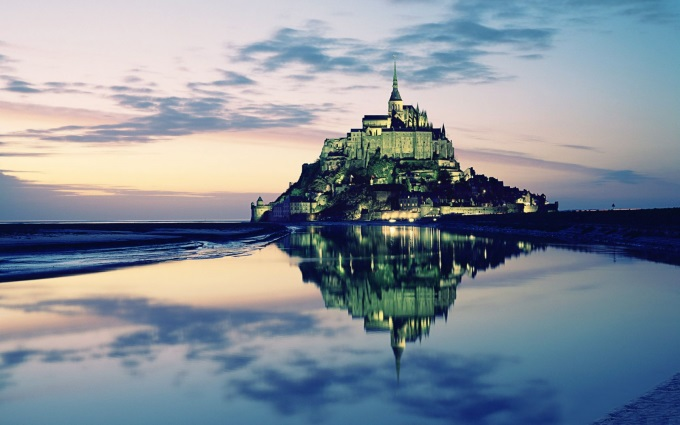 Reflections of Mont Saint-Michel ( ',')