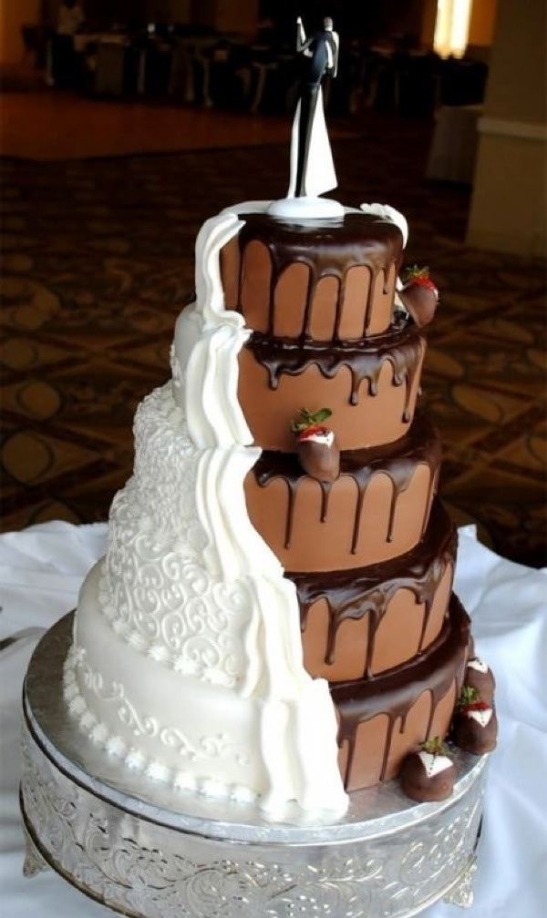 Cool twist on a wedding cake (・∀・)