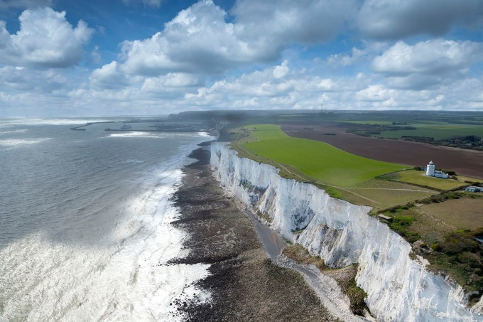 White Cliffs of Dover, England (n_n)/