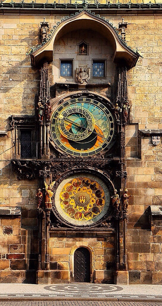 600 year old astronomical clock in Prague  ¯\_(ツ)_/¯