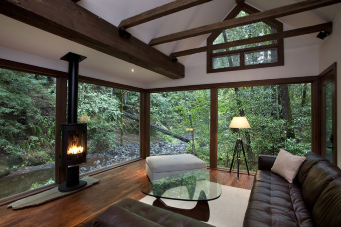 Creekside Cabin (*_*)