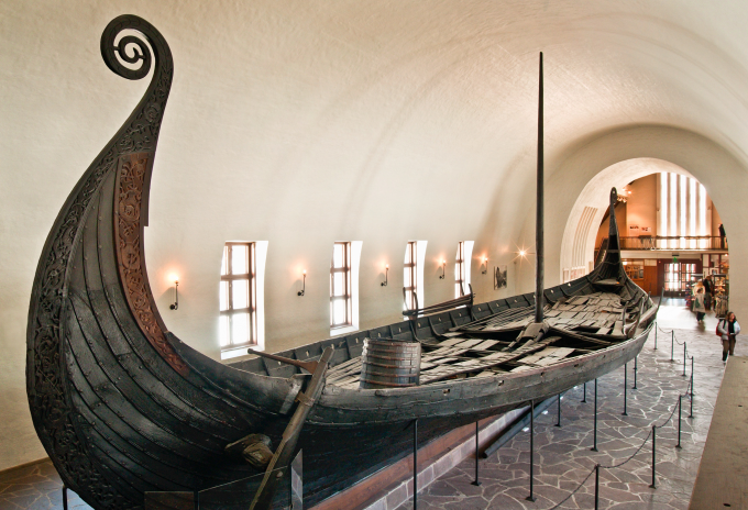 9th Century Viking Burial Ship ヽ(´ー`)
