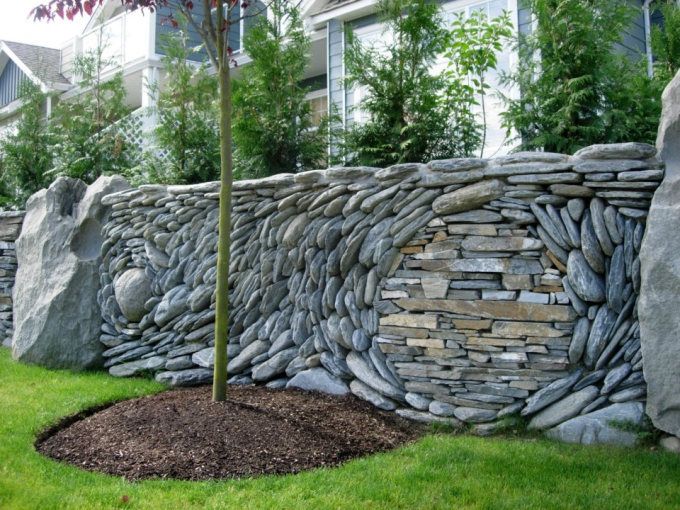 Superb Stone Wall ‎(^ー^)ノ