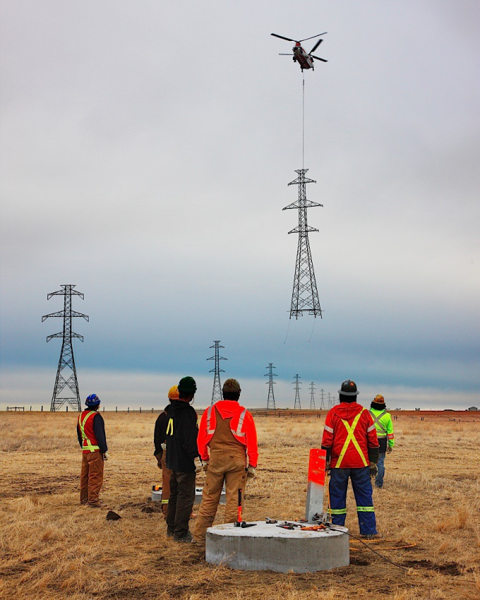 Installing a power line tower  (^ー^)ノ