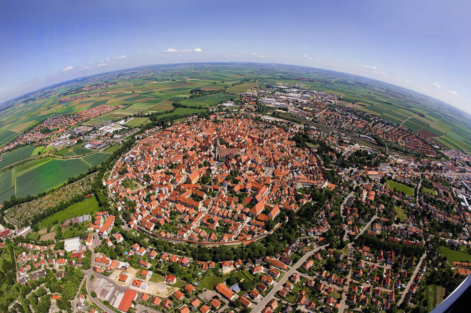 Bavarian town of Nördlingen built in a 14 million year old meteor impact crater (@_@)