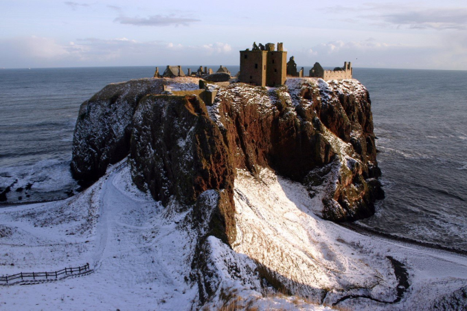 Ruins of Dunnottar Castle in Scotland (^ー^)ノ