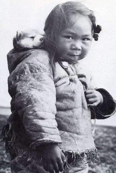 Inuit child with her Husky ^_^