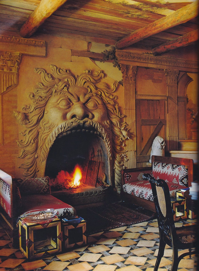 Tuscan fireplace (⌒ー⌒)ノ