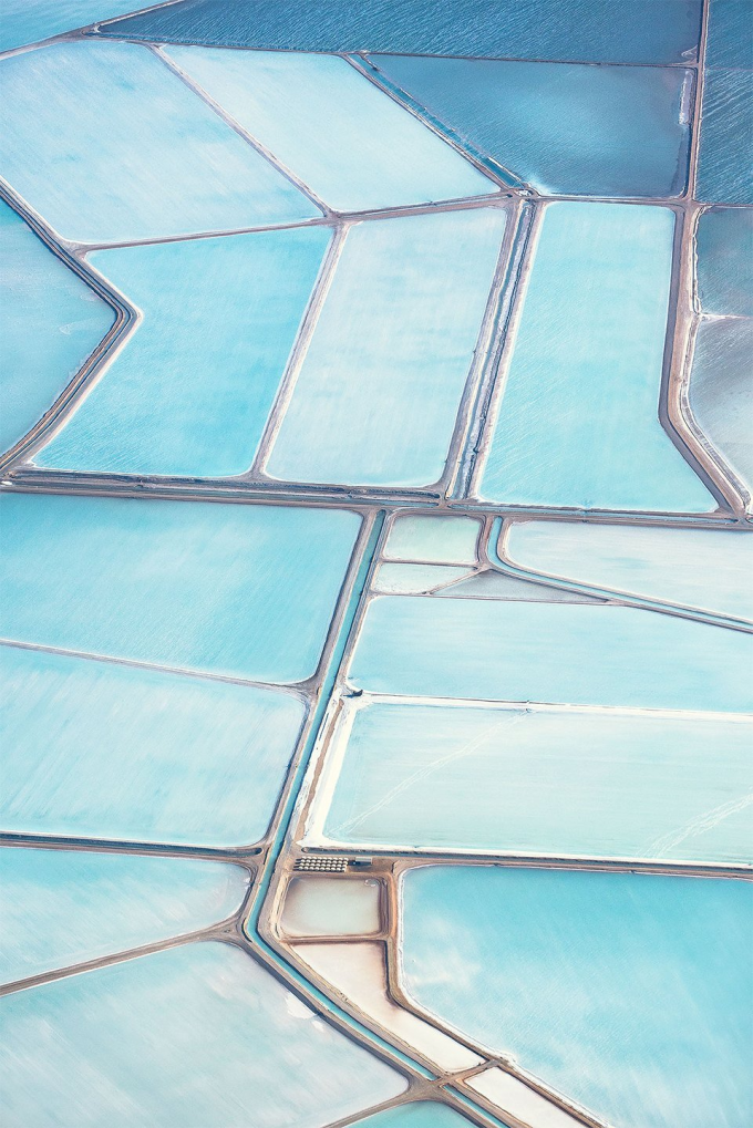 Blue salt fields in Australia (^ー^)ノ
