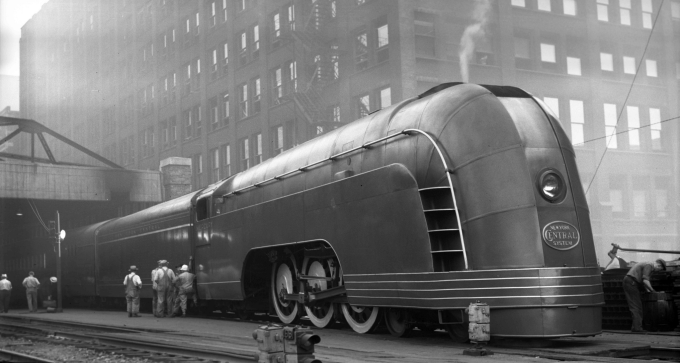 'Mercury' train in Chicago, 1936 ヽ(⌐■_■)ノ