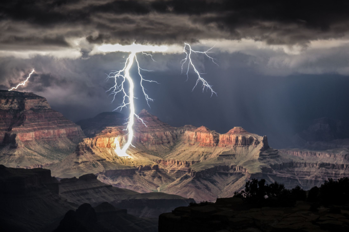 The Grand Canyon being lit by just lightning :/