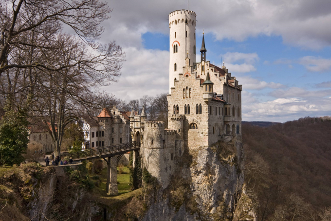 The Lichtenstein Castle in Germany :O