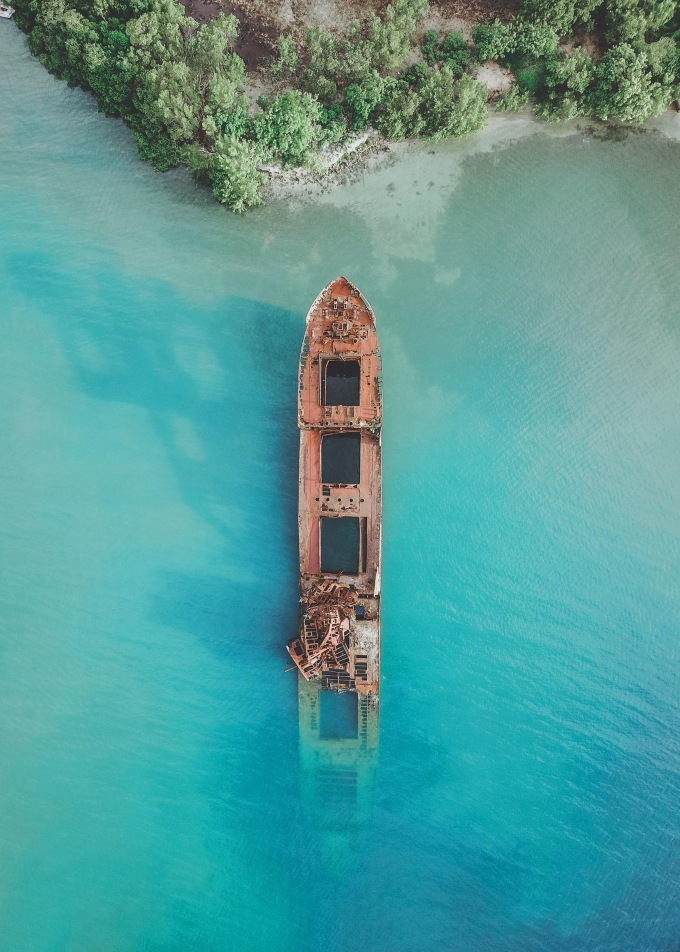 Shipwreck in the Caribbean Sea off of Honduras
